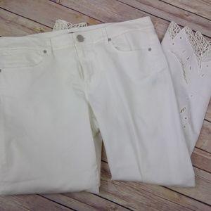 Elie Tahari white capris cuff detail size 10 EUC